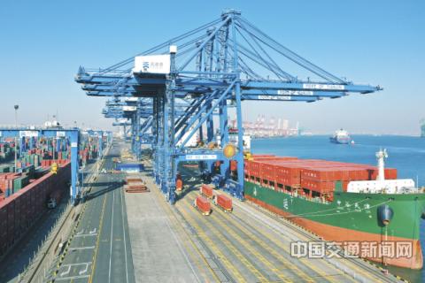 天津港传统集装箱码头全流程自动化升级改造